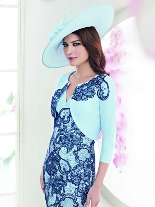 Zeila-3020648-lace-blue-wedding-800px